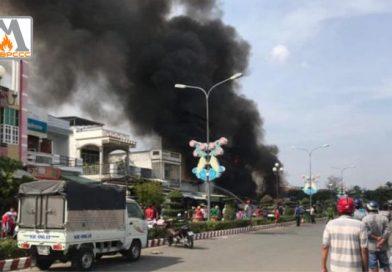Sóc Trăng: Cháy lớn thiêu rụi 4 căn nhà, 1 người tử vong